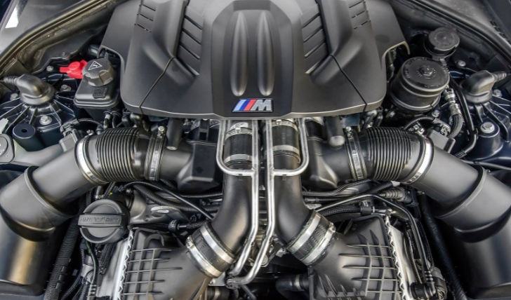 BMW_M5_engine