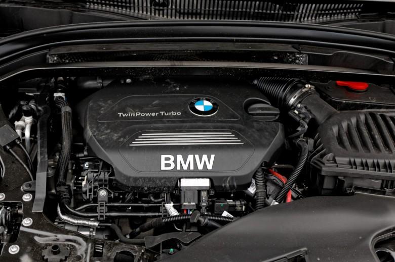 BMWBLOG-X1_Xdrive_20d-TEST-notranjost (31)