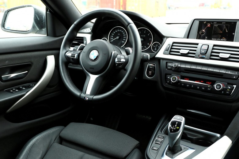 BMWBLOG_BMW 4 GranCoupe 420d - TEST - notranjost (6)