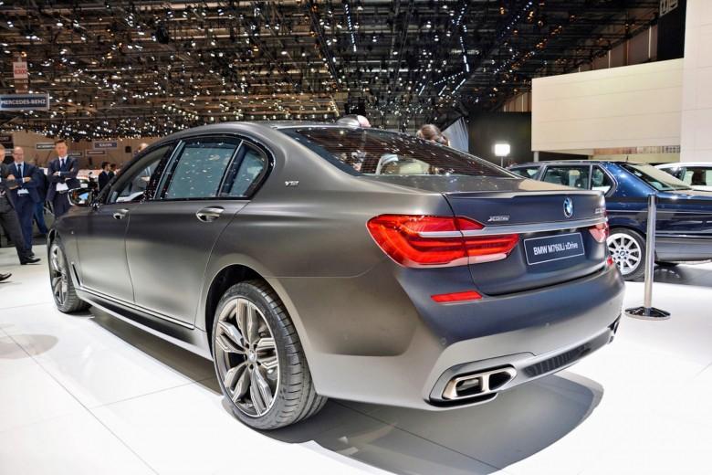 Geneva_Motor_Show_2016 - BMW M760i (15)