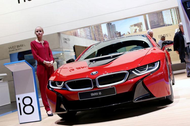 Geneva_Motor_Show_2016 - BMW i8_Protonic_Red (14)