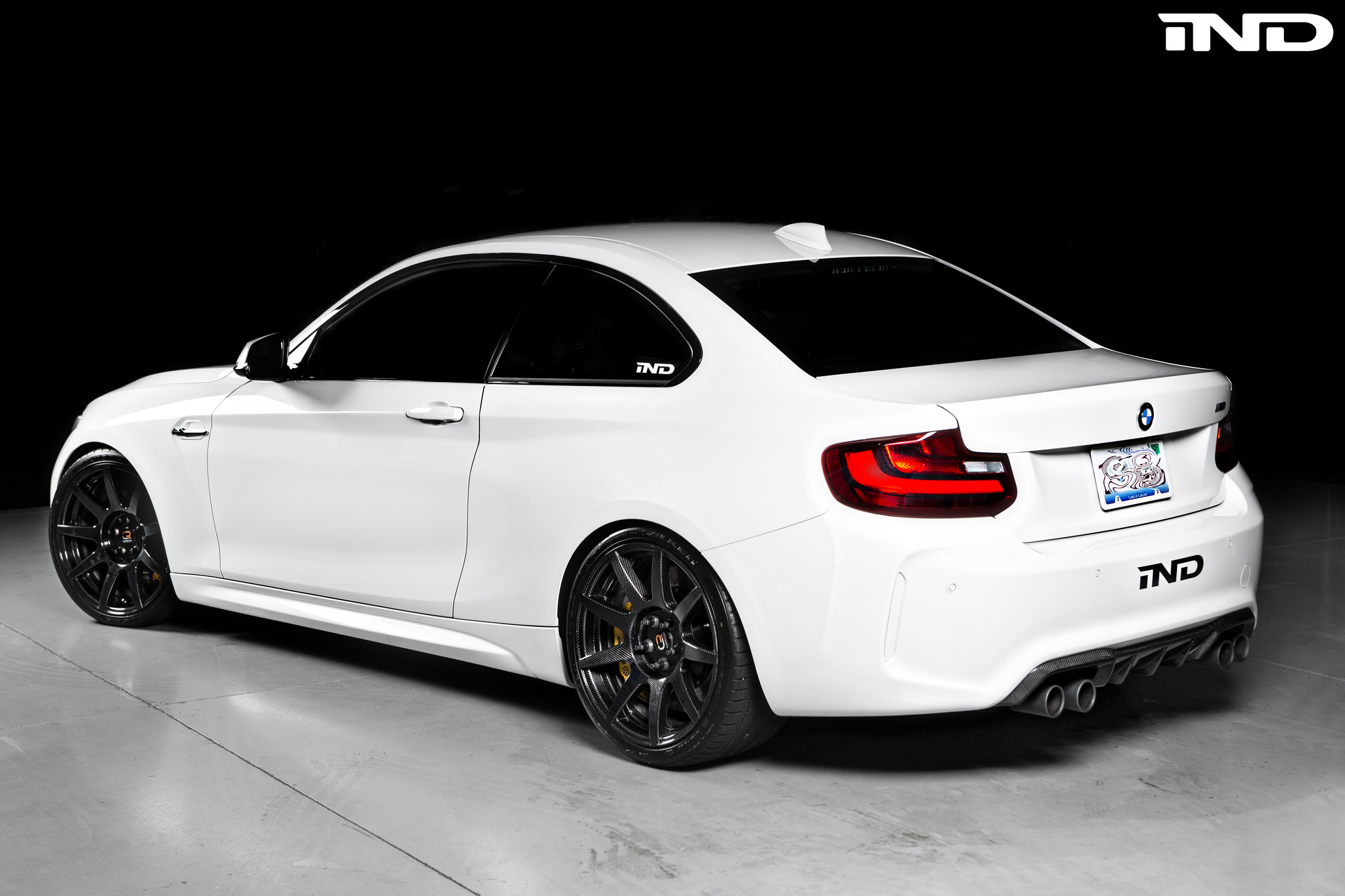 alpine white bmw m2 with carbon fiber wheels bmwblog. Black Bedroom Furniture Sets. Home Design Ideas