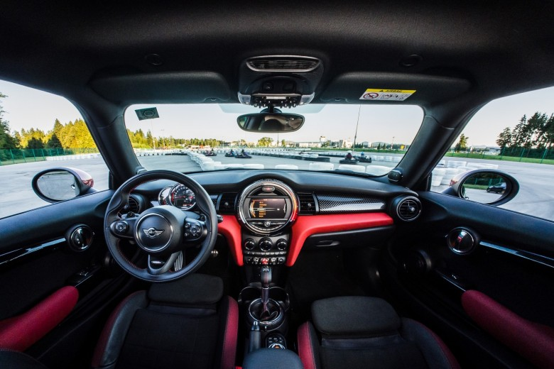 BMWBLOG - BMW TEST - MINI John Cooper Works - JCW - notranjost (15)