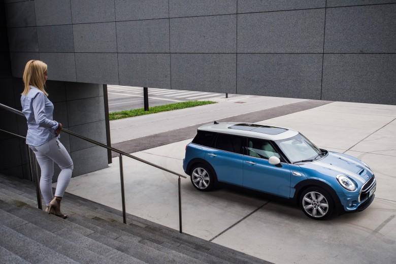 BMW TEST - BMWBLOG - MINI Clubman S - Avto Aktiv - Tina (19)
