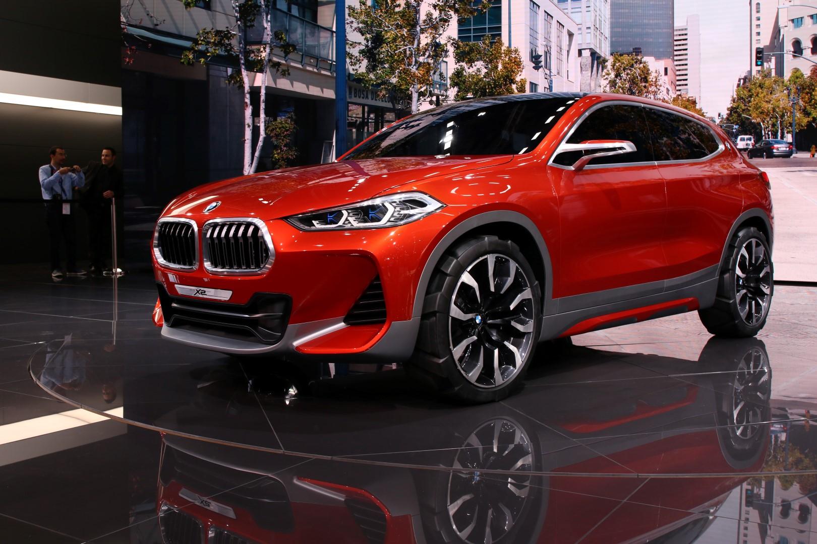 Wonderful Paris Motor Show Svetovna Premiera  BMW X2 Koncept
