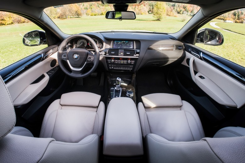 BMWBLOG - BMW TEST - BMW X4 xDrive20d - notranjost (18)