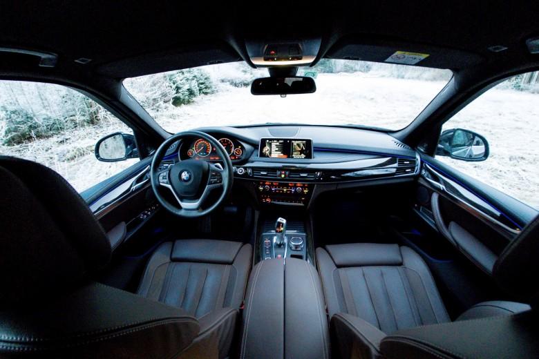 BMWBLOG - Avto Aktiv - BMW X5 40e - iPerformance - notranjost (22)
