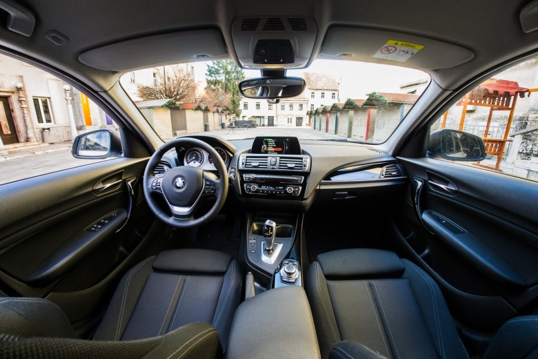 BMWBLOG - BMW F20 118d - BMW Avto Aktiv - notranjost (22)