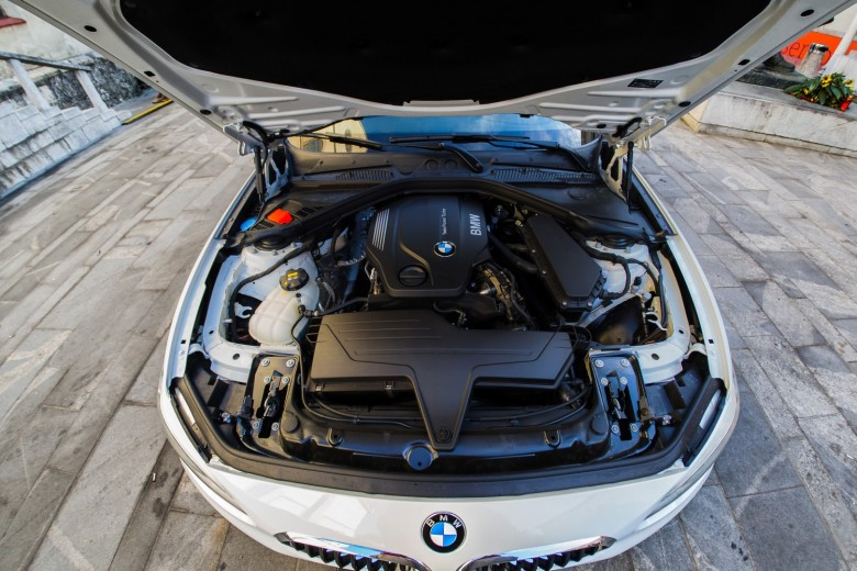 BMWBLOG - BMW F20 118d - BMW Avto Aktiv - notranjost (24)