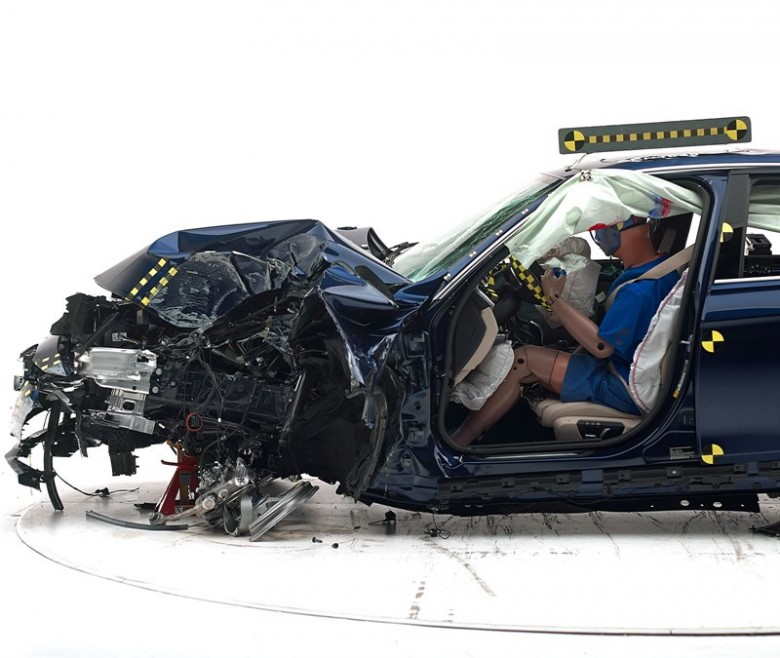 bmw-3-series-iihs-2