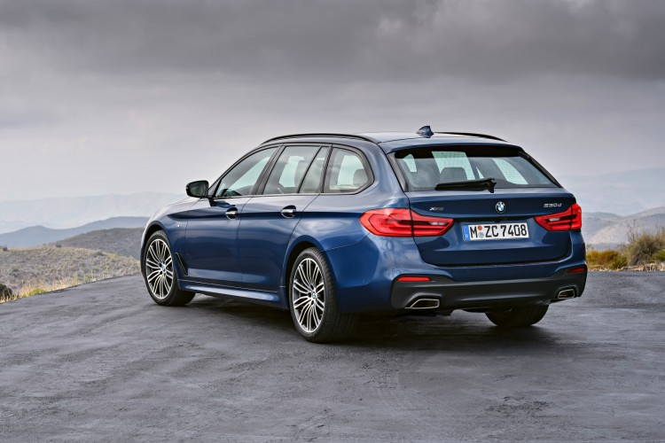 2017 BMW G31 5 Series - Touring - World Premiere (27)