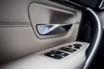 BMWBLOG - BMW test - BMW 320d xDrive Touring -notranjost (9)