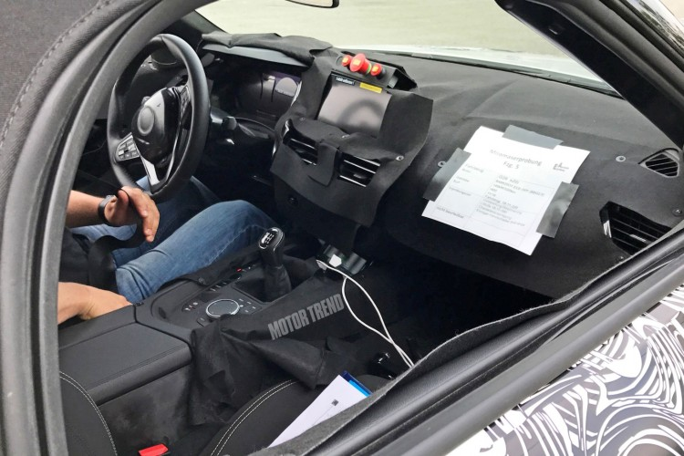 BMWBLOG-Z4-interior-spyshots (1)