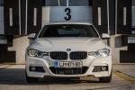 BMWBLOG - BMW Slovenija -  BMW 320d M Performance - notranjost (1)