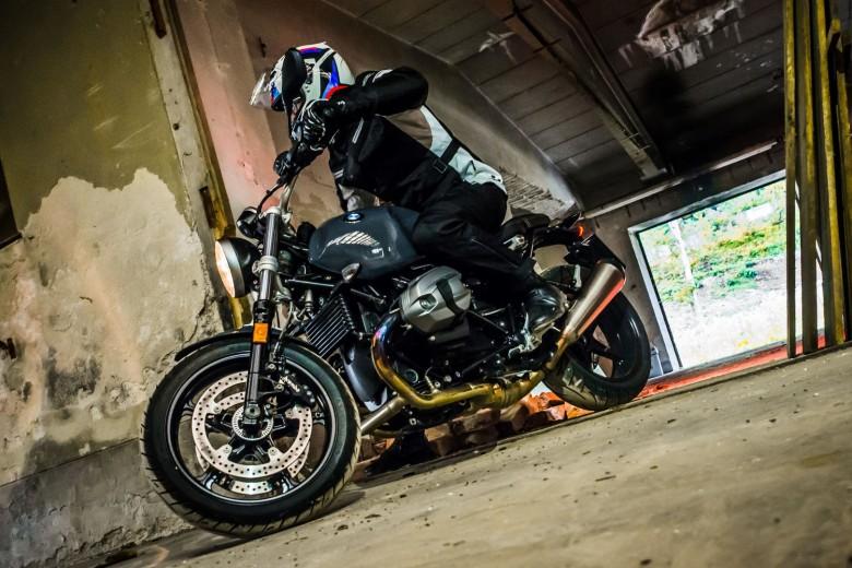 BMWBLOG - BMW A-Cosmos - BMW TEST - BMW RnineT PURE - BMW Motorrad (14)
