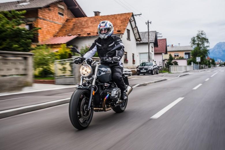 BMWBLOG - BMW A-Cosmos - BMW TEST - BMW RnineT PURE - BMW Motorrad (27)