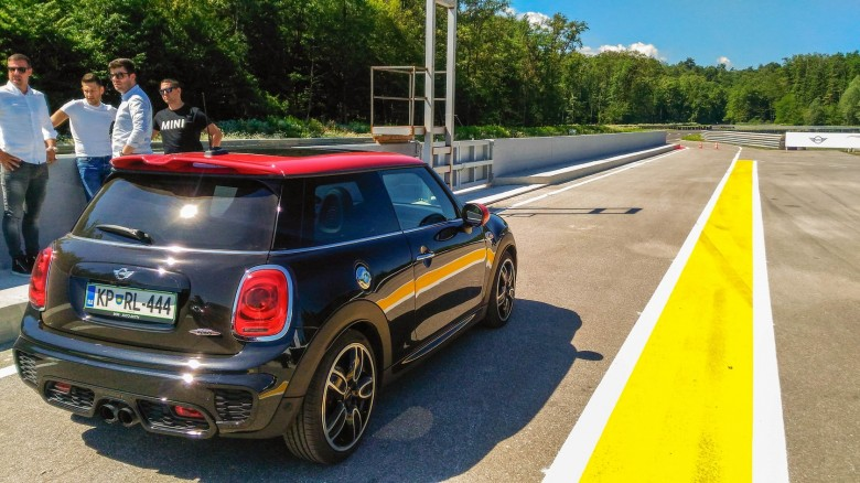 BMWBLOG-MINI-JCW-Workout  (3)
