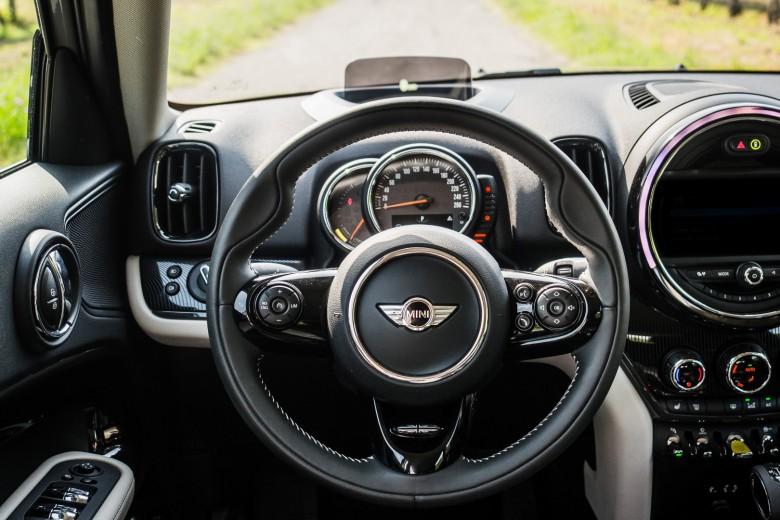 BMWBLOG - BMW Avto Aktiv - MINI Avto Aktiv - MINI Countryman SE Hybrid - notranjost (6)