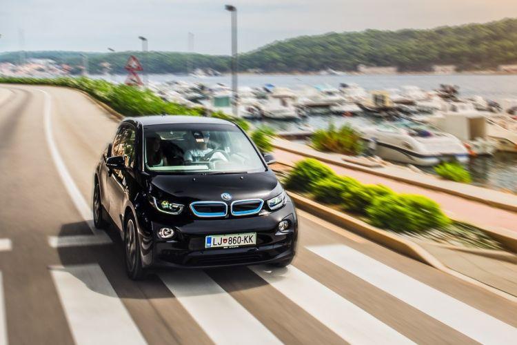 BMWBLOG - BMW TEST - BMW i3 94Ah - BMW i3 BEV - BMW Avto Aktiv - naslovna