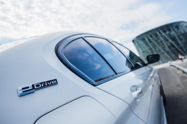BMWBLOG - BMW TEST - BMW A-Cosmos - BMW 530e - iPerformance (3)