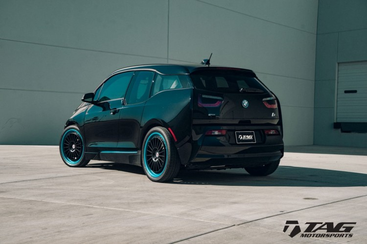 BMWBLOG-BMW-i3-with-HRE-Classic-309-Wheels-in-Satin-Black (7)