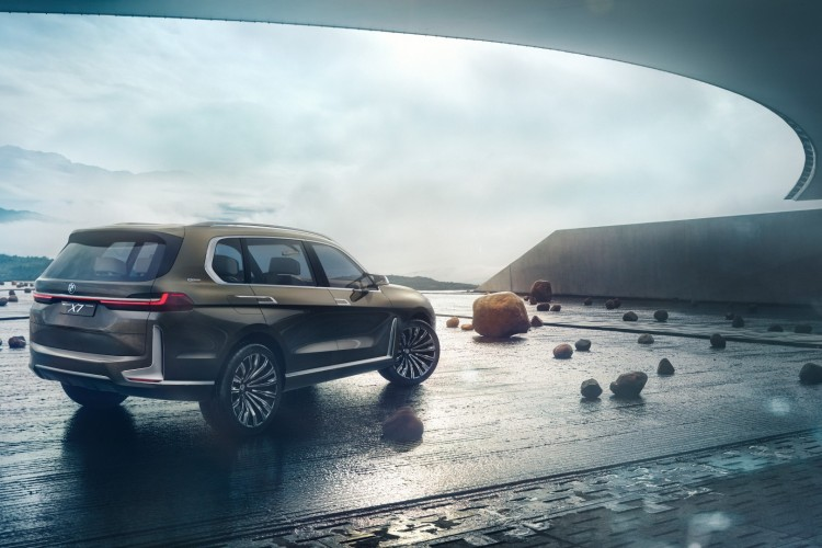 World Premiere - 2019 BMW X7 iPerformance  (3)