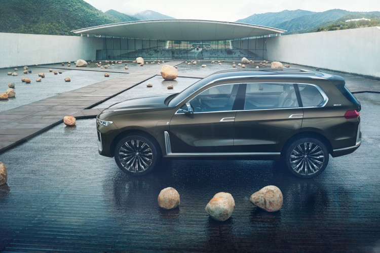 World Premiere - 2019 BMW X7 iPerformance  (4)