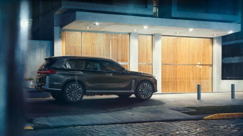 World Premiere - 2019 BMW X7 iPerformance  (7)
