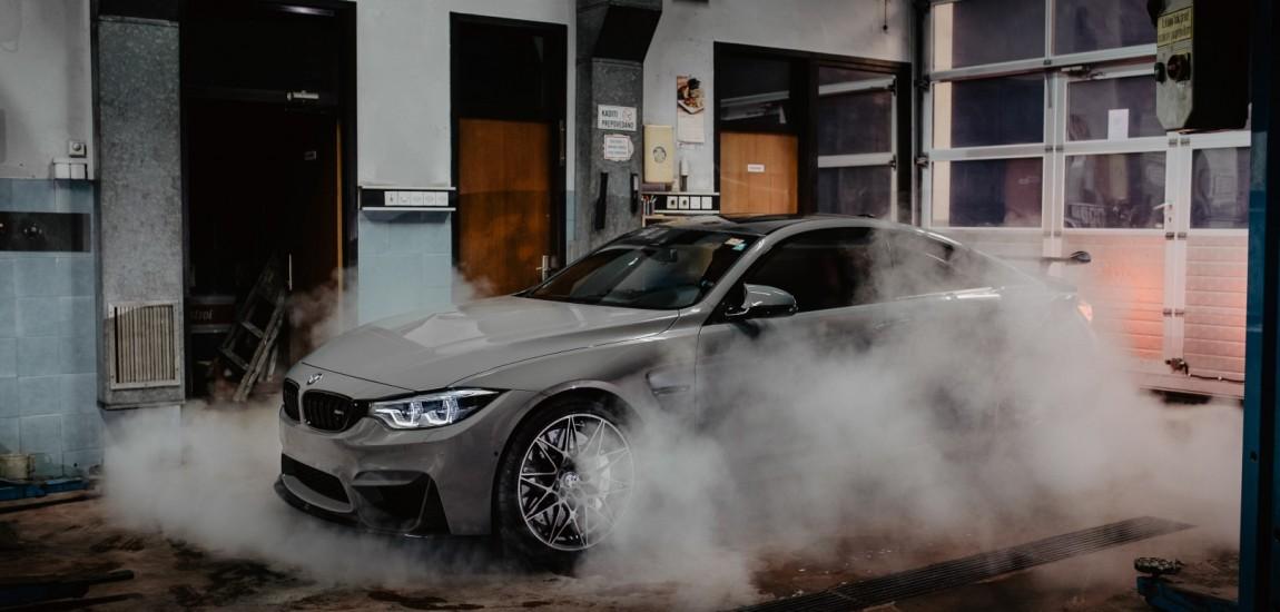 BMWBLOG - BMW TEST - BMW M4 Competition Package - M Performance - Grigio Telesto  (35)