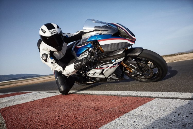 BMWBLOG-HP4-Race  (6)