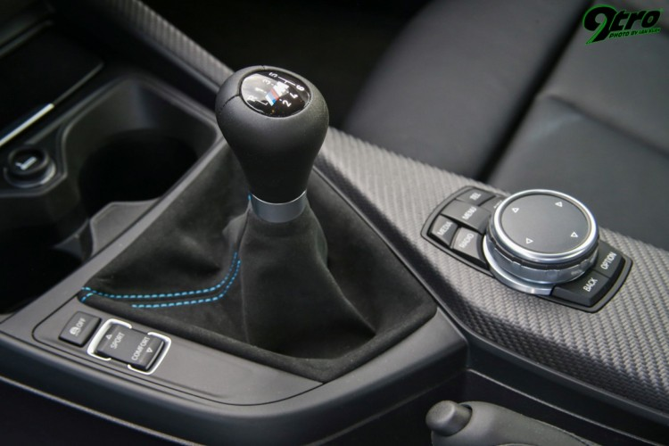BMWBLOG-M2-zadnji-rocni-menjalnik (7)