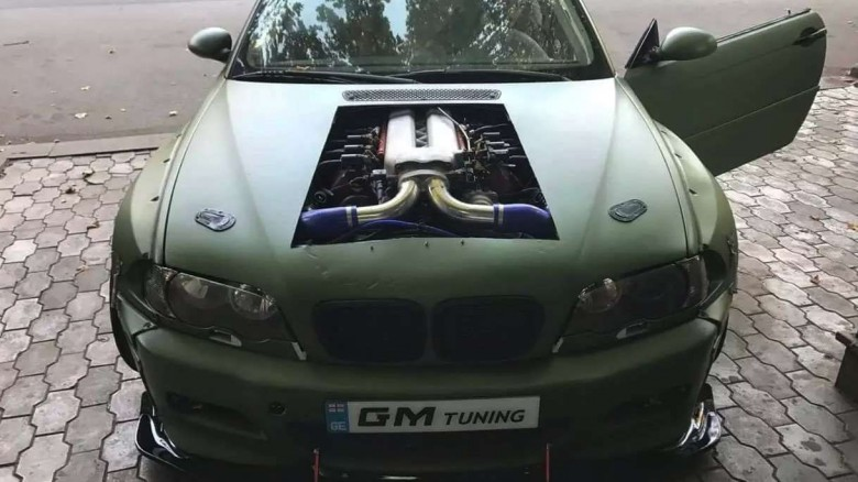 bmw-e46-m3-v10-engine-swap (1)