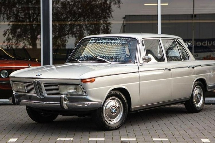 BMWBLOG-BMW-2000-classic (8)
