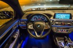 BMWBLOG - BMW 7 series - 730d - BMW A-Cosmos - Christmass lights - interior  (1)