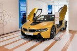 BMWBLOG - BMW i8 Protonic Frozen Yellow - BMW Park Lane - London (2)