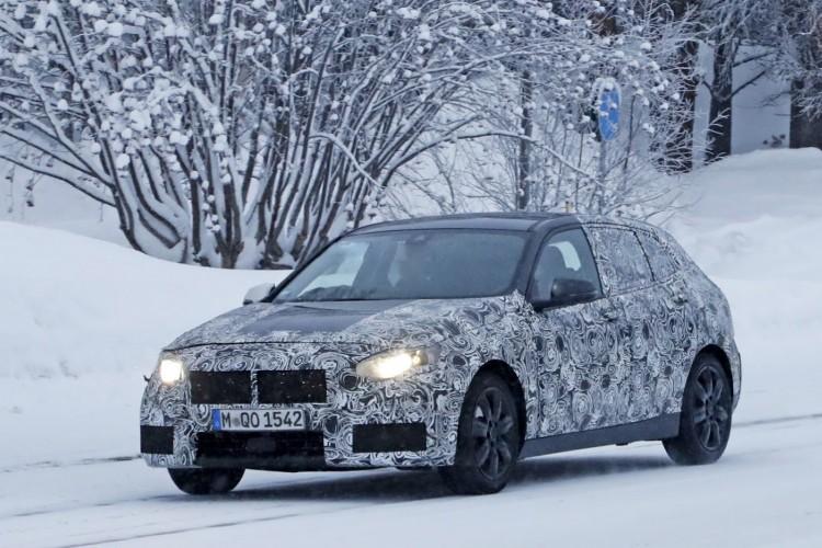 BMWBLOG-bmw-1-serije-2019-spy-winter-zima (2)