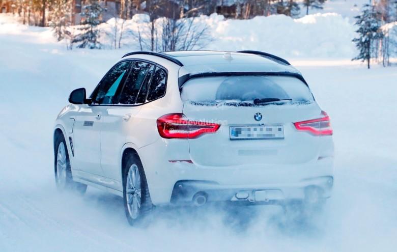 BMW-x3-plu-in-hybrid-spied (10)
