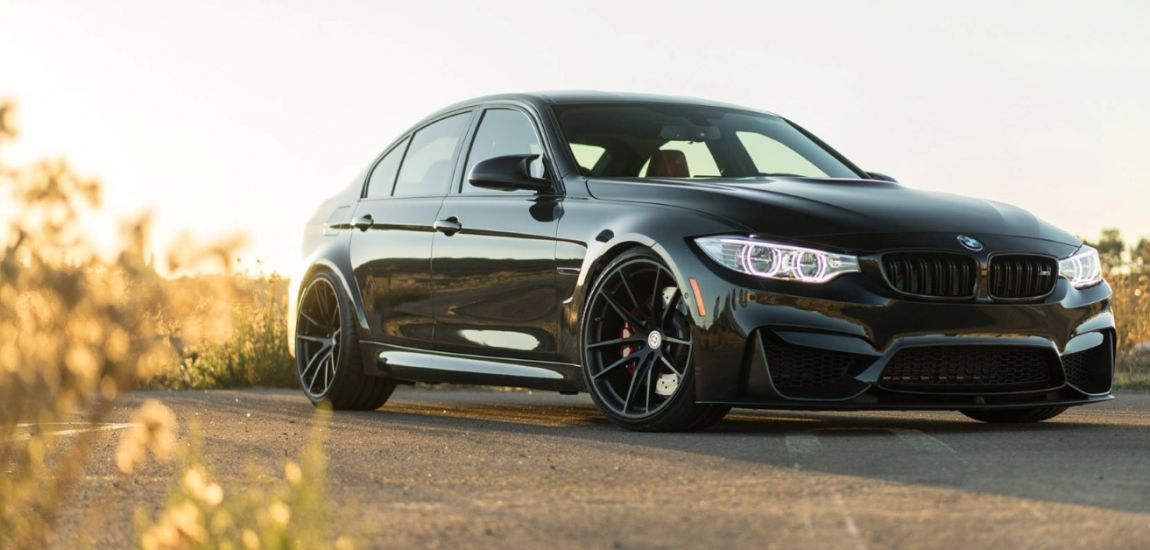 BMWBLOG-Black-Sapphire-Metallic-BMW-M3-with-HRE-P104-Wheels-in-Satin-Black-Image1 (5)