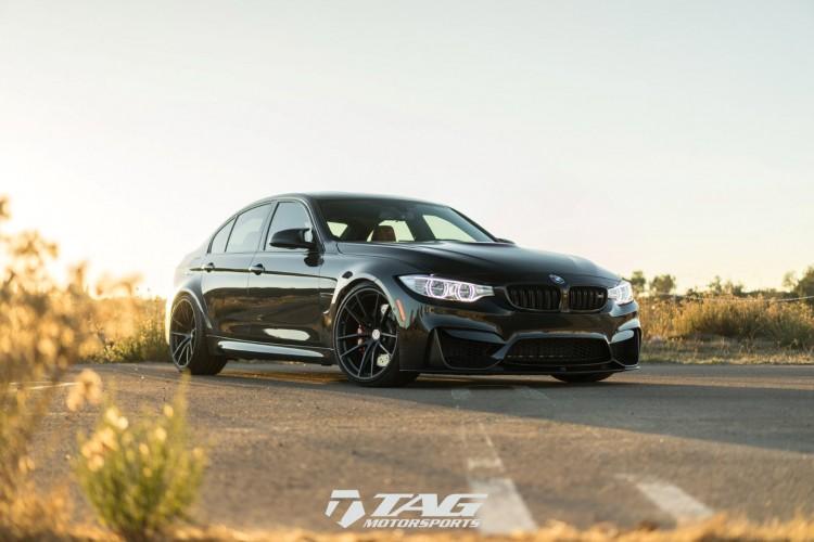 BMWBLOG-Black-Sapphire-Metallic-BMW-M3-with-HRE-P104-Wheels-in-Satin-Black-Image1 (5)