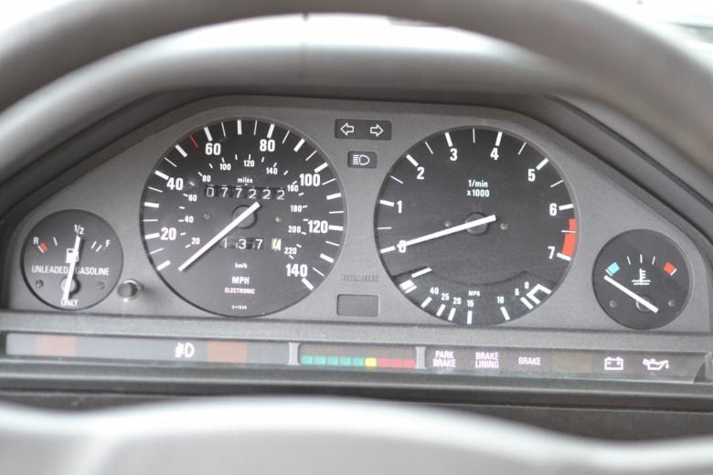 BMWBLOG-E30-LS1-swap (18)