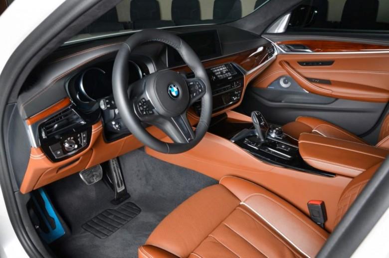 BMWBLOG-M550i-M-Performance-Abu-Dhabi (11)