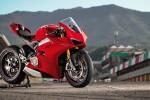 BMWBLOG-M760Li-vs-Ducati-Panigale (7)