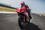 BMWBLOG-M760Li-vs-Ducati-Panigale (8)