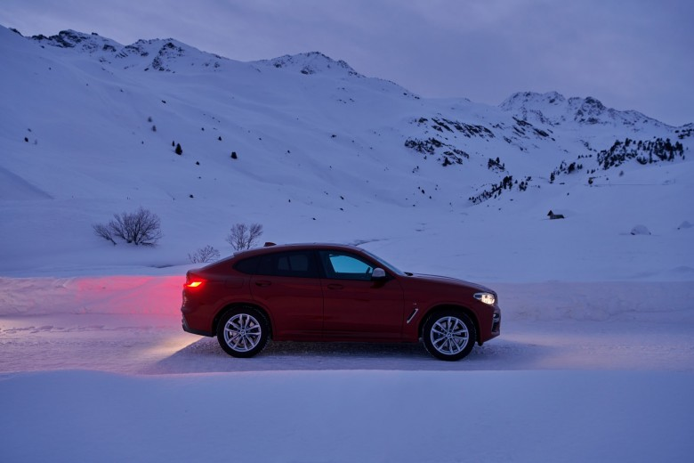 BMWBLOG-X4-M40d-on-road-to-Geneva (3)