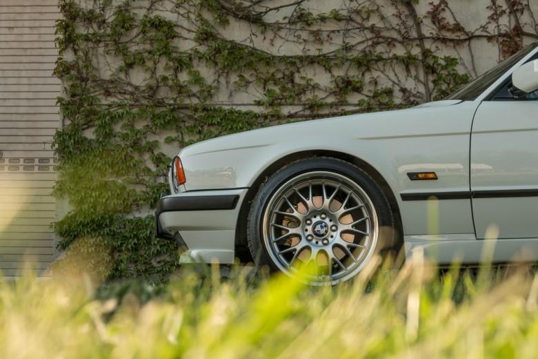 BMWBLOG - BMW E34 - 525i (27)