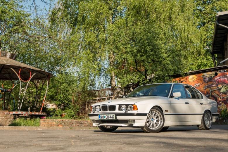 BMWBLOG - BMW E34 - 525i (38)