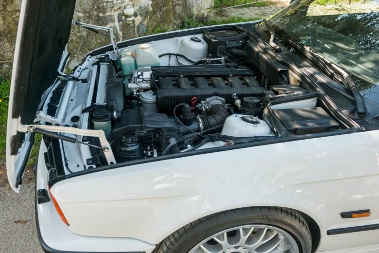 BMWBLOG - BMW E34 - 525i (8)